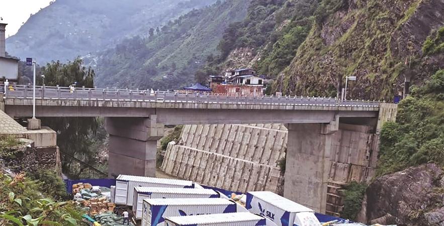 Tatopani Border Opens, Six Containers Enter Nepal