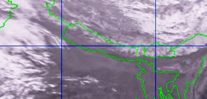 Westerly Low Pressure Area Causes Light Rain And Snowfall